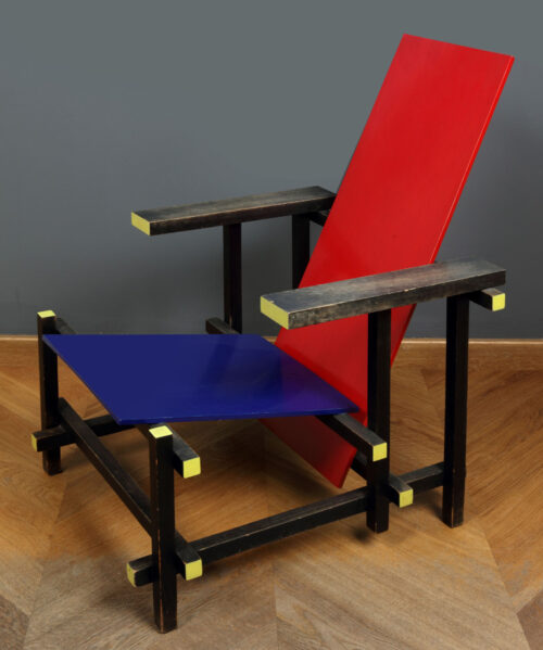 Gerrit Rietveld - Red-blue chair